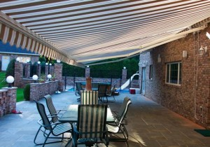 Total Eclipse – Long Projection Motorized Awning